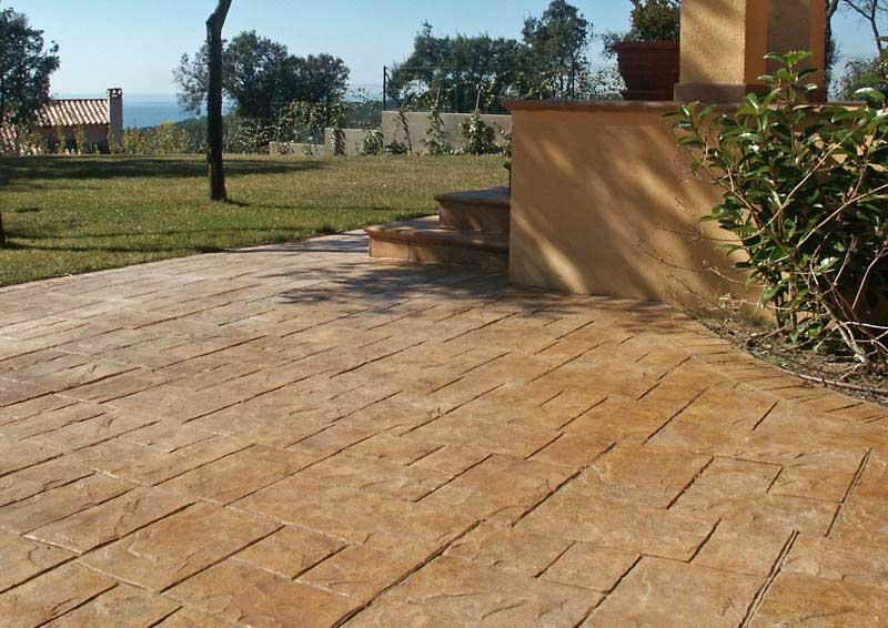 Pavimenti per giardino in pietra pavimento in pietra per - Pavimento esterno cemento stampato prezzi ...