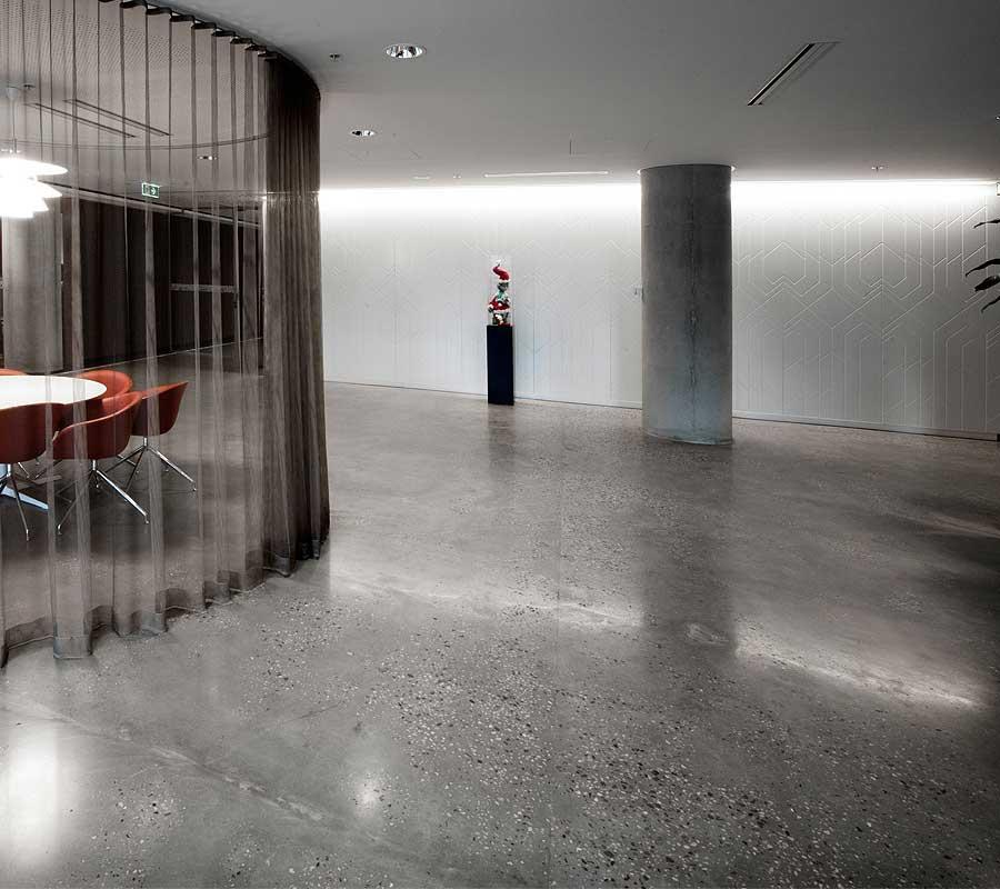 Pavimento moderno amazing pavimento moderno infinity - Pavimento interno moderno ...