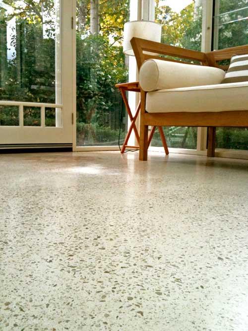Pavimenti in graniglia e arredamento moderno cool for Arredamento moderno colorato