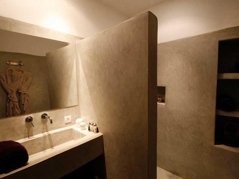 bagno in microcemento resina resistente design decorativo lavabo su misura pi