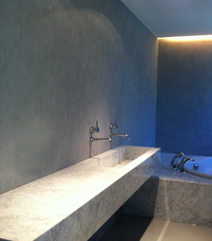 microcemento bagno lavabo su misura rivestito microtopping su progetto resina