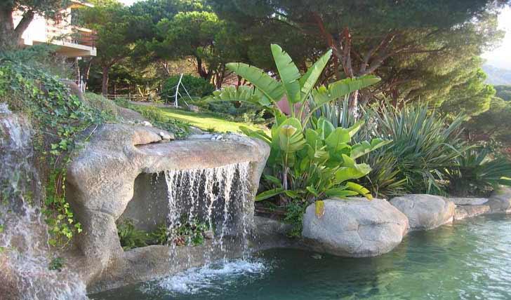 Laghetto Con Cascata Da Giardino : Index of img piscina laghetto piscine su progetto in roccia